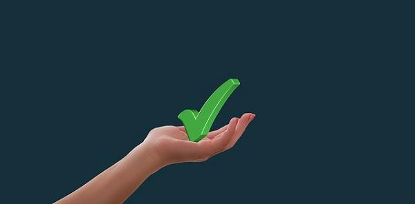 Картинка зелёная галочка в руке