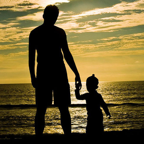 Аватарки для WhatsApp для мужчин - отец и сын
