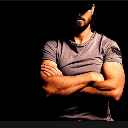 Аватарки для Ватсапа для мужчин - мускулы.