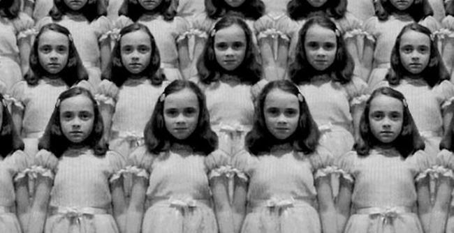 Девочка из сериала Американская история ужасов и ее копии