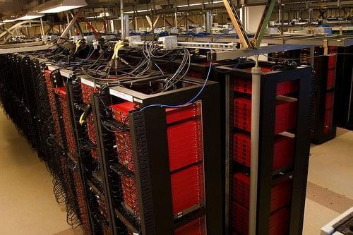 Примерно так выглядят серверы архива