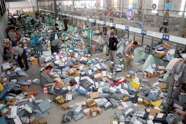 Примерно так выглядит сортировочный центр в Китае